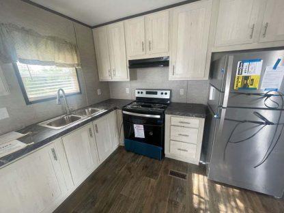 Fleetwood Lakehouse X2 Mobile Home Kitchen